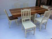 Реставрация и освежаване на старинни или повредени маси и столове