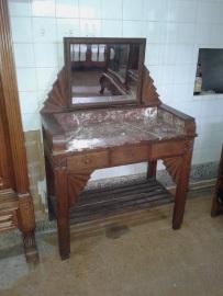toaletka-s-ogledalo-1